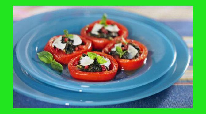 (Italiano) Barchette di pomodori agli aromi con ricotta stagionata