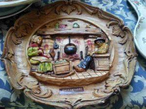 Medio rilievo in legno